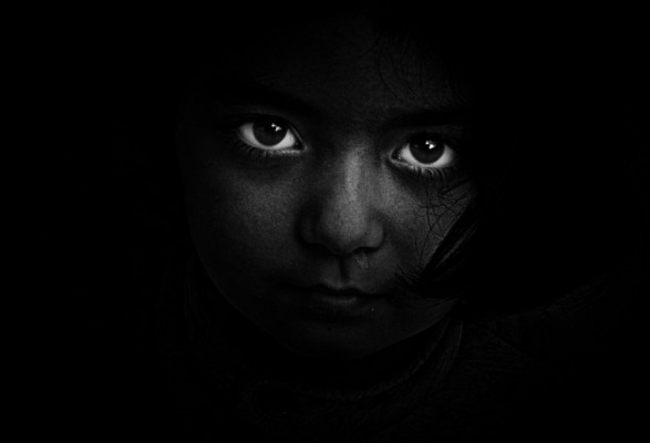 https://pixabay.com/static/uploads/photo/2016/03/27/07/19/black-and-white-1282260_960_720.jpg